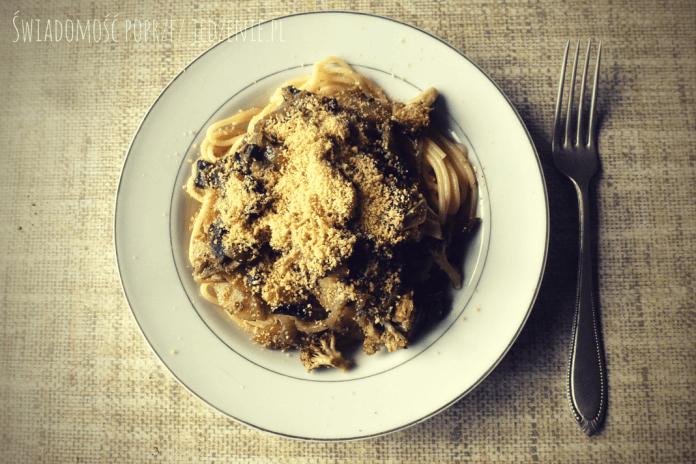 Spaghetti ze świeżą cukinią i parmezanem